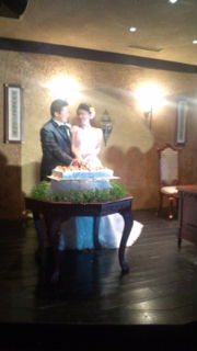 ポッチャリ結婚式…。